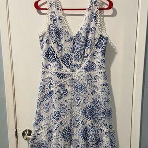 Taylor dress size 8